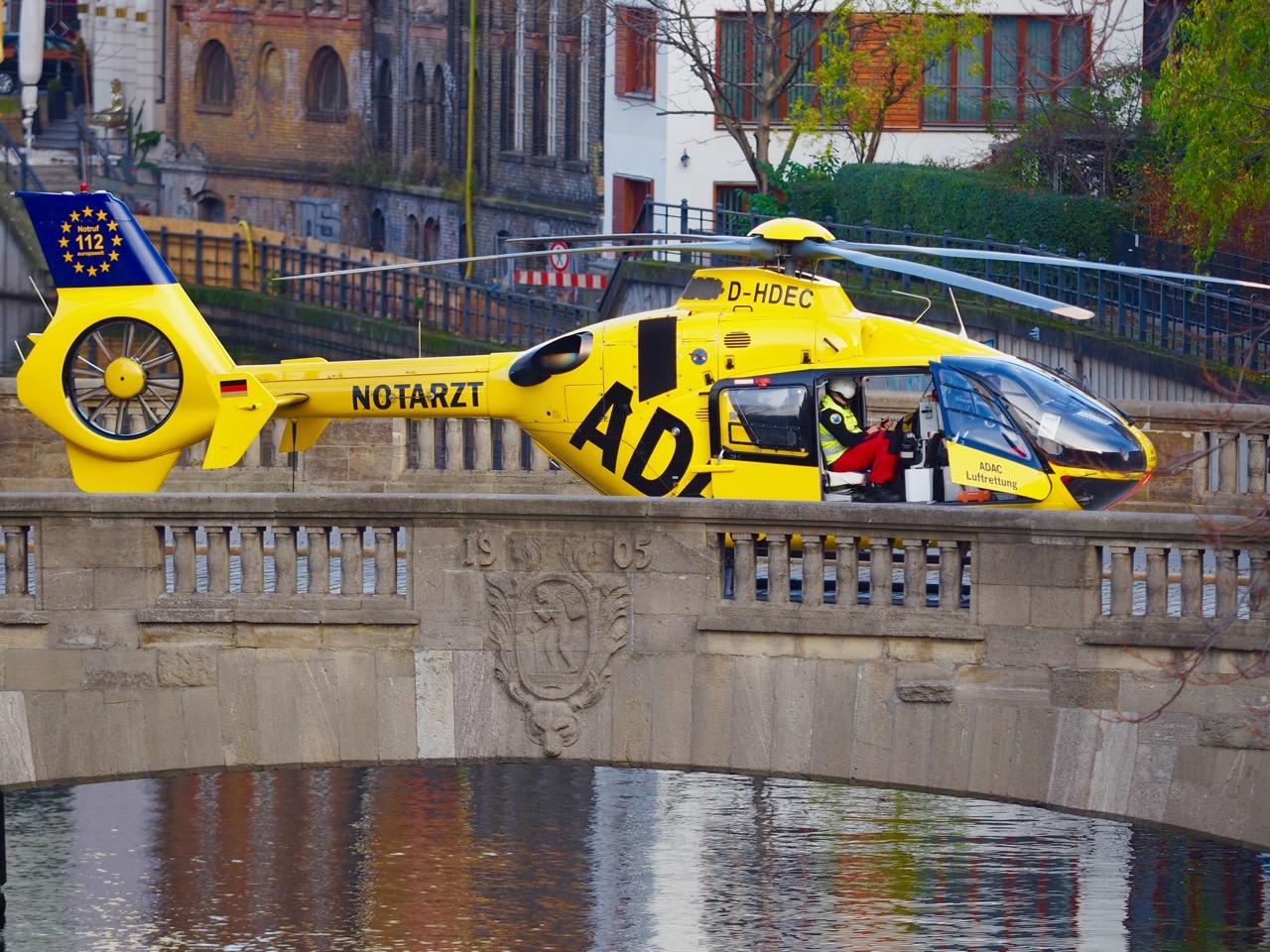 Rettungshubschrauber Berlin-Mitte in Nähe Spittelmarkt - Foto: arts4PR by Thomas J. Jandke